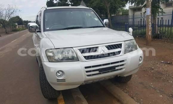 Buy New Mitsubishi Pajero White Car in Lusaka in Zambia