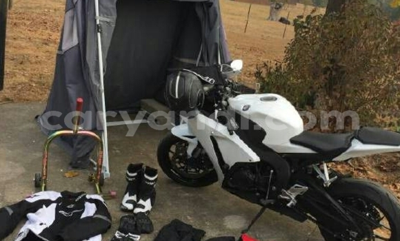 Buy Used Honda CBR 1000 RR White Moto in Kasama in Zambia