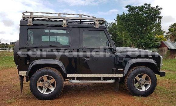 Buy Used Land Rover Defender Black Car in Lusaka in Zambia