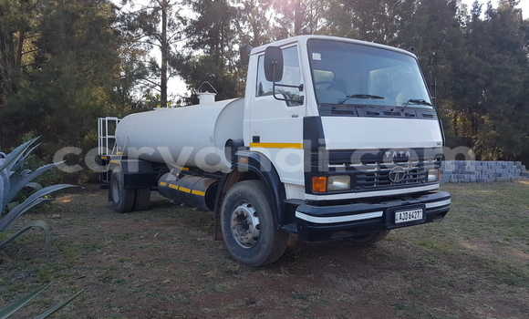 Buy Used Toyota HiAce White Truck in Lusaka in Zambia