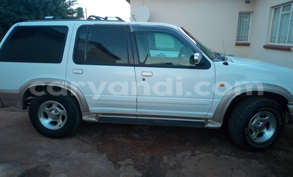 Buy Used Ford Explorer White Car in Lusaka in Zambia