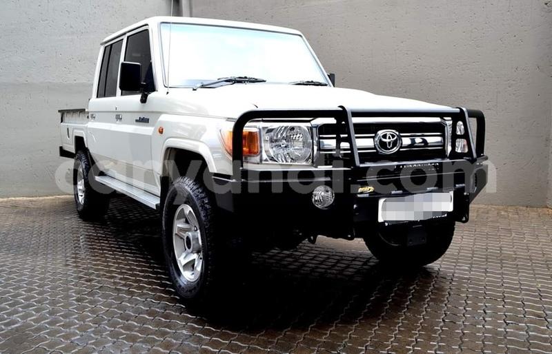 Big with watermark toyota land cruiser zambia livingstone 12019