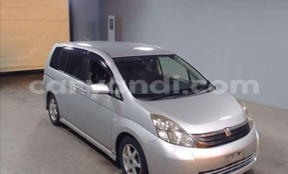 Buy Used Toyota IST Black Car in Chingola in Zambia