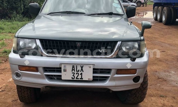 Buy Used Mitsubishi Challenger Green Car in Lusaka in Zambia