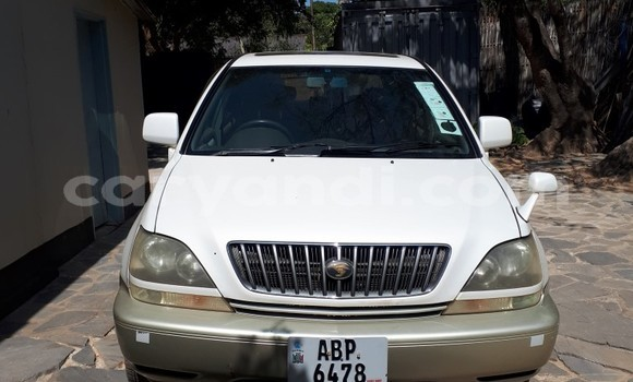 Buy Used Toyota Harrier Beige Car in Lusaka in Zambia