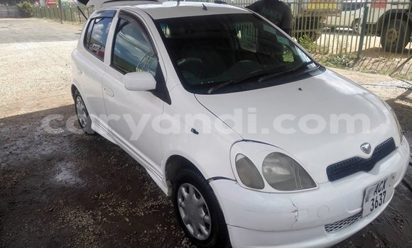 Buy Used Toyota Vitz White Car in Lusaka in Zambia