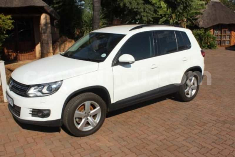 Big with watermark 2016 volkswagen tiguan 1