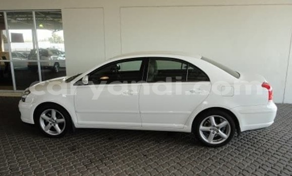 Buy Used Toyota Avensis White Car in Chingola in Zambia