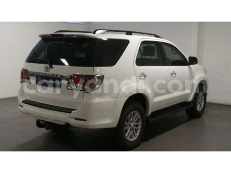 Big with watermark 2015 toyota fortuner 3