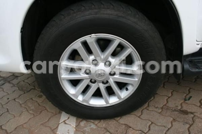 Big with watermark 2015 toyota fortuner e