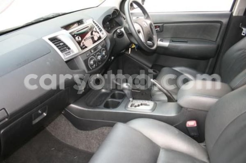 Big with watermark 2015 toyota fortuner d