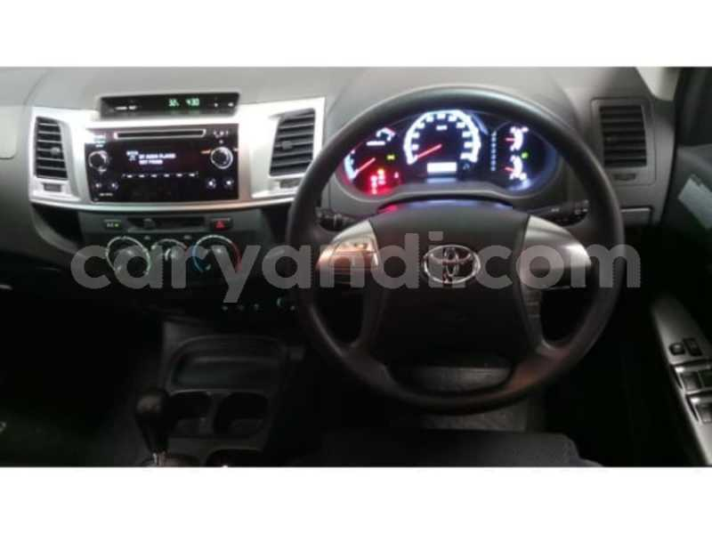 Big with watermark 2015 toyota fortuner 10