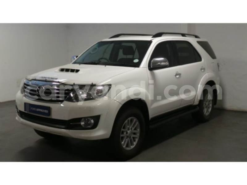 Big with watermark 2015 toyota fortuner 5