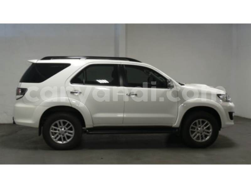 Big with watermark 2015 toyota fortuner 2