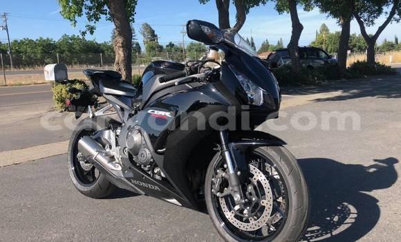Buy Used Honda CBR 1000 RR Black Bike in Solwezi in North-Western