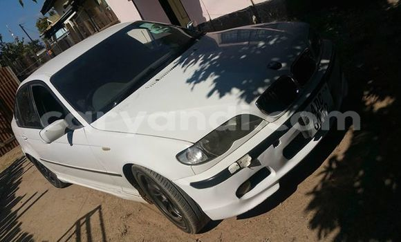 Buy Used BMW 3–Series White Car in Kitwe in Zambia