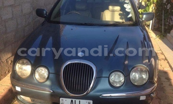 Buy Used Jaguar S–Type Green Car in Lusaka in Zambia