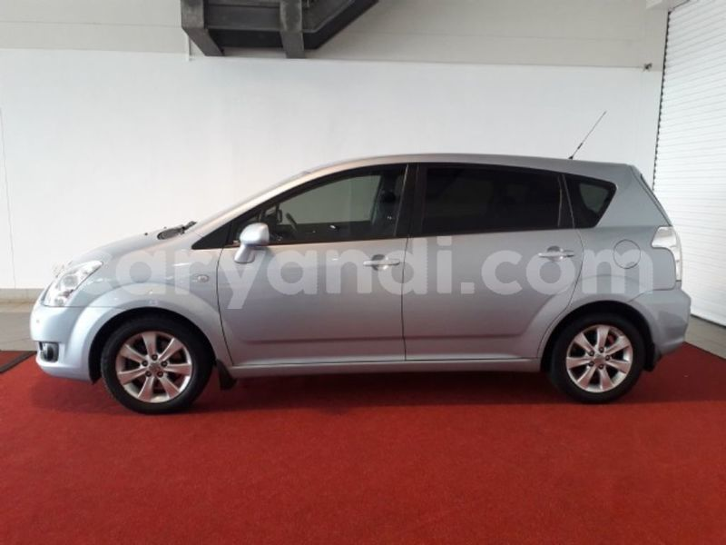 Big with watermark 2011 toyota verso 2