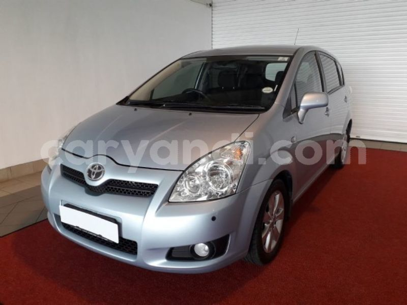 Big with watermark 2011 toyota verso 1
