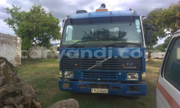 Buy Used Volvo FL Blue Truck in Lusaka in Zambia