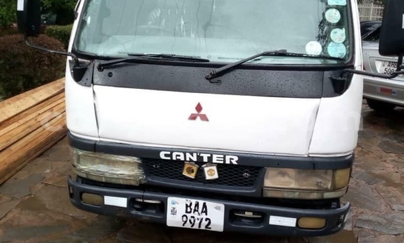 Buy Used Mitsubishi Canter White Truck in Lusaka in Zambia