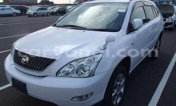 Buy Import Toyota Harrier White Car in Lusaka in Zambia