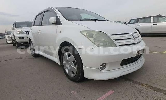 Buy Import Toyota Ist White Car in Lusaka in Zambia