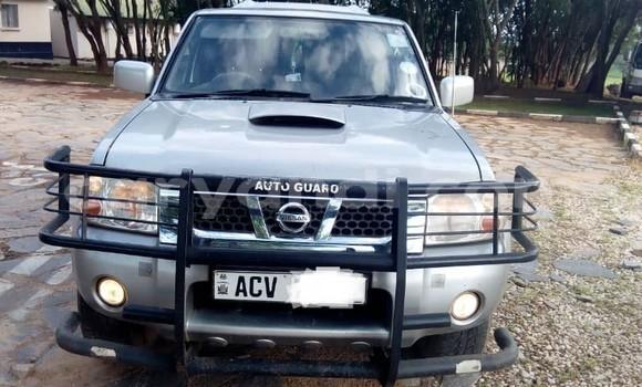 Buy Used Nissan Navara Silver Car in Lusaka in Zambia