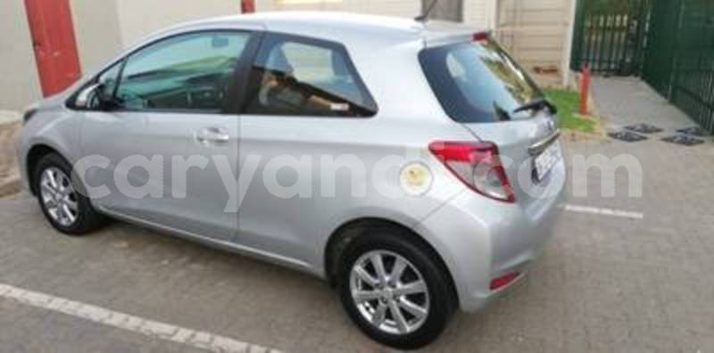 Big with watermark yaris 2014 6