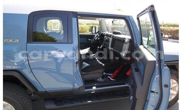 Buy Import Toyota FJ Cruiser Blue Car in Import - Dubai in Zambia