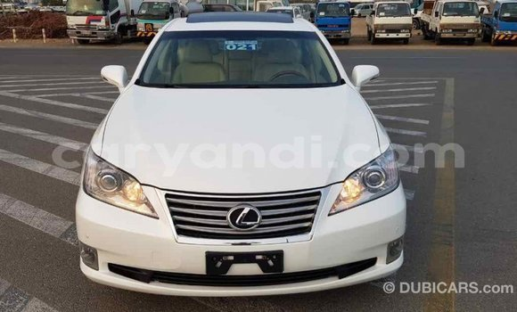 Buy Import Lexus ES White Car in Import - Dubai in Zambia