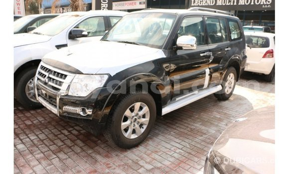 Buy Import Mitsubishi Pajero Black Car in Import - Dubai in Zambia