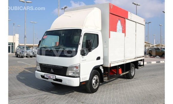 Buy Import Mitsubishi Canter White Truck in Import - Dubai in Zambia