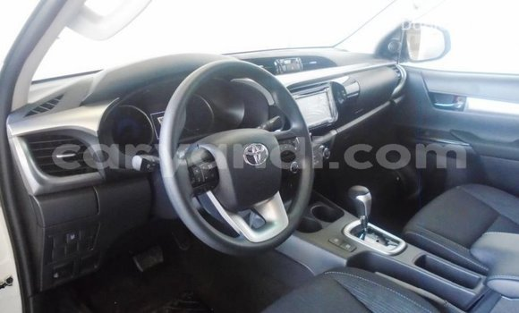 Buy Import Toyota Hilux White Car in Import - Dubai in Zambia