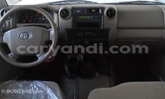 Buy Import Toyota Land Cruiser White Car in Import - Dubai in Zambia