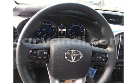 Buy Import Toyota Hilux White Car in Import - Dubai in Zambia