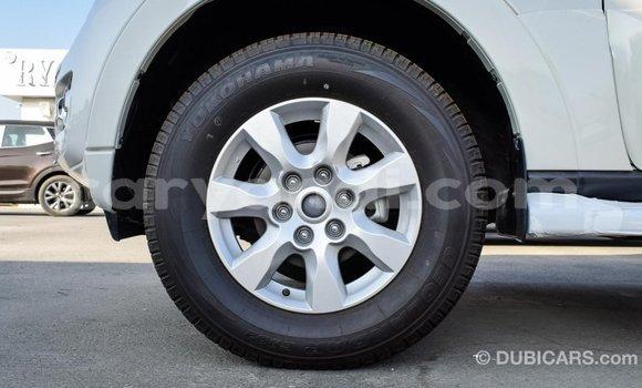 Buy Import Mitsubishi Pajero White Car in Import - Dubai in Zambia