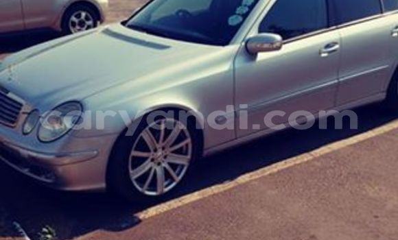 Buy Used Mercedes‒Benz E-klasse Silver Car in Lusaka in Zambia