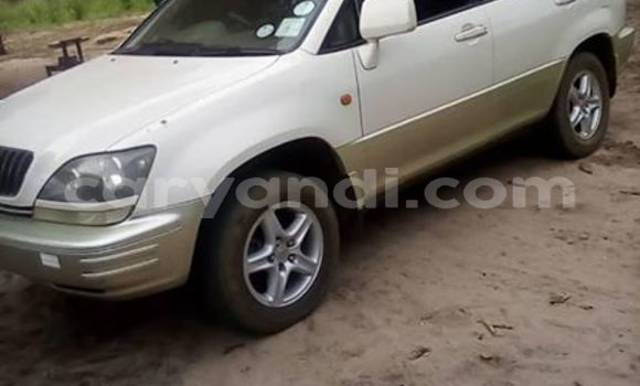 Buy Used Toyota Harrier White Car in Mongu in Western