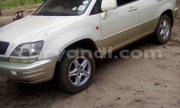 Buy Used Toyota Harrier White Car in Mongu in Western
