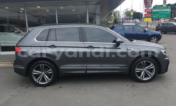 Buy Used Volkswagen Tiguan Blue Car in Solwezi in North-Western