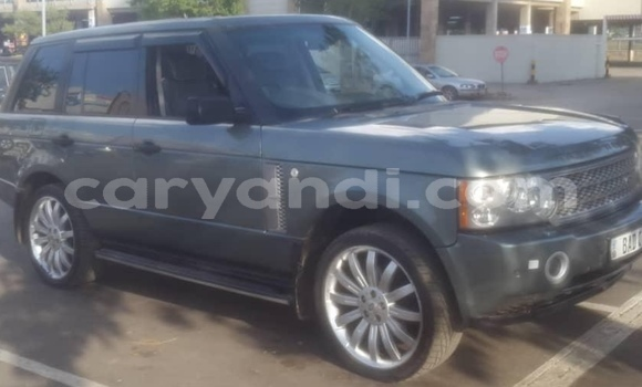 Buy Used Land Rover Range Rover Vogue Silver Car in Lusaka in Zambia