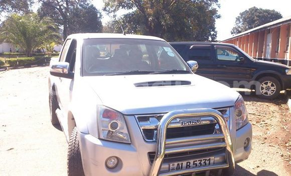 Buy Used Isuzu D–MAX White Car in Ndola in Zambia