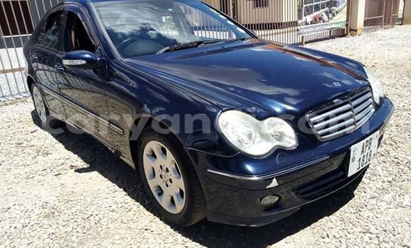Buy Used Mercedes‒Benz C-klasse Blue Car in Lusaka in Zambia