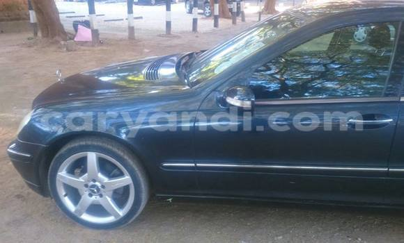 Buy Used Mercedes‒Benz 190 Black Car in Chingola in Zambia