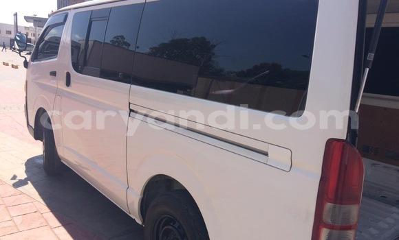 Acheter Occasion Voiture Toyota Hiace Blanc à Lusaka, Zambie