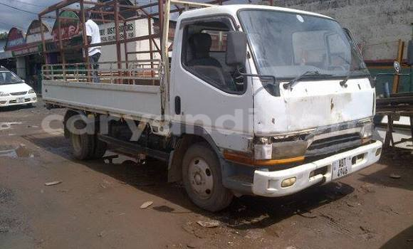 Buy Used Toyota T100 White Car in Chipata in Zambia