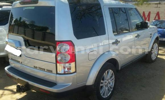 Buy Used Land Rover Defender Silver Car in Chingola in Zambia