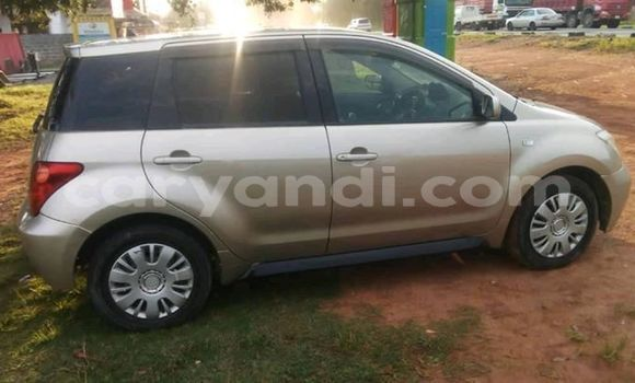 Buy Used Toyota IST Silver Car in Ndola in Zambia