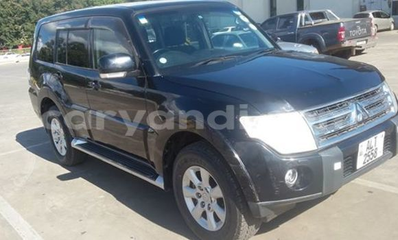 Buy Used Mitsubishi Carisma Black Car in Chingola in Zambia